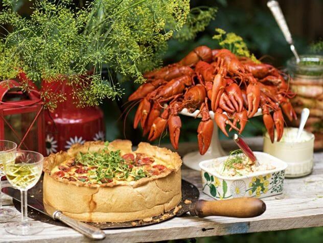kraftskive crayfish party table decration